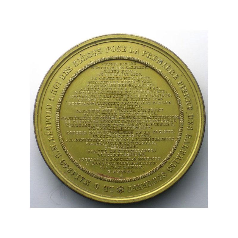 HART   pose de la 1ère pierre des Galeries St-Hubert   6 mai 1846   Bruxelles   bronze doré   67,5mm    SUP