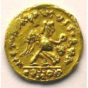 Numismatic foto  Coins Merovingian coins Bourgogne Burgondes Tremissis pseudo-impérial au nom de Justin I   (env. 500-580)    TTB/TTB+
