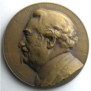 Numismatic foto  Coins Tokens and Medals Numismatique de la Presse et du Journalisme Syndicat de la presse municipale parisienne  Médaille en bronze  63mm   Cinquantenaire 1884-1934   Emile Willeme, président du syndicat    SUP/FDC