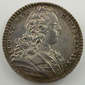 jeton rond en argent   29mm   Louis XV   Etats de Bretagne   1728    TTB+