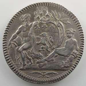 Jeton rond en argent   Echevin de Lyon, Jean Henri Benoit   1782    TB+