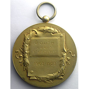 Médaille en argent doré avec bélière   47mm    SUP/FDC