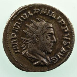 R/ AEQVITAS AVGG   (Rome 245-247)    TTB