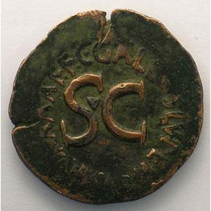 R/ C.GALLIVS.LVPERCVS.III.VIR.A.A.A.F.F.   Rome 16 av.JC    TB+/TTB