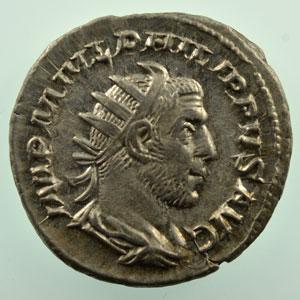 R/ ROMAE AETERNAE   (Rome 245-247)    TTB