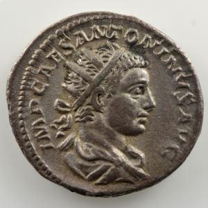 R/ SALVS ANTONINI AVG  (Rome 218-219)    TB+/TTB